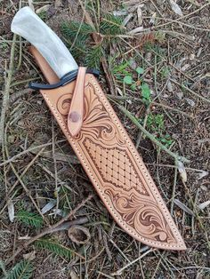 Grandpa Gus made for TRAPPER Zeke: hand tooled/stamped leather sheath for knife Leather Carving, Leather Art, Leather Design, Leather Tooling, Leather Knife Sheath Pattern, Knife Sheath Making, Custom Leather Holsters, Leather Working Patterns, Knife Patterns