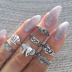 "Love simple cute designs like this.not a ""big and flashy"" jewelery person Cute Rings, Pretty Rings, Cute Nails, Pretty Nails, Hair And Nails, My Nails, Glitter Nails, Nail Jewelry, Jewellery"