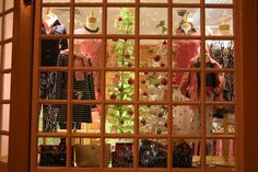 #LillyHoliday Window Shopping!