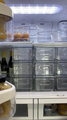 Refrigerator Organization, Kitchen Organization Pantry, Linen Closet Organization, Clutter Organization, Home Organization Hacks, Kitchen Storage, Home Decor Kitchen, Kitchen Interior, Fancy Kitchens