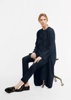 Created around five different looks, Ada Kokosar, stylist and fashion consultant, has created a collection with &OtherStories. Fashion Story, New Fashion, Fashion Looks, Fashion Outfits, Womens Fashion, Minimal Outfit, Minimal Fashion, Minimal Chic, Ada Kokosar