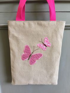 – Page 841680617840486539 – SkillOfKing. Sewing Crafts, Sewing Projects, Butterfly Bags, Summer Tote Bags, Jute Bags, Craft Bags, Patchwork Bags, Bag Patterns To Sew, Denim Bag