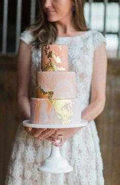 Gâteau de mariage orange et doré