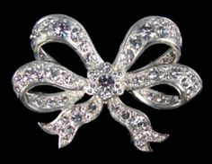 The Royal Jewels - Queen Victoria's Bow Brooch.