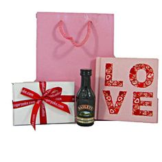 Amour Ideal for Valentine's Day, this cute giftbag sends your love with some mini treats - just the right mix of cute and delicious! £14.99