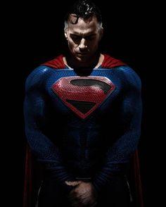 Henry Cavill as Earth-22 Supes. (I believe that JSCOMICART on IG made this, but I'm not sure) : superman Mundo Superman, All Star Superman, Superman Suit, Superman Henry Cavill, Superman Family, Superman Hd Wallpaper, Superman Artwork, Legion Of Superheroes, Batman Comics