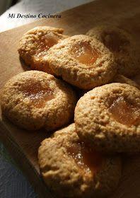 Las pepas o pepitas son una variedad de galletitas dulces , ( o masitas, como le decimos en Argentina) que llevan un relleno en el centro s...