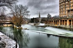 River Avon and Pulteney Weir in the Snow, Bath, Somerset, England, UK (HDR)