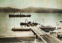 Peirao da Laxe. Fotografía iluminada | A dock in Laxe. Coloured photograph, ca. 1900