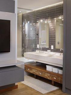 13 banheiros neutros com acabamentos elegantes