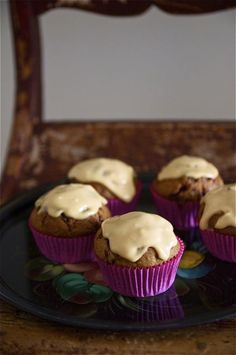 Lingonberry caramel muffins (in Finnish)
