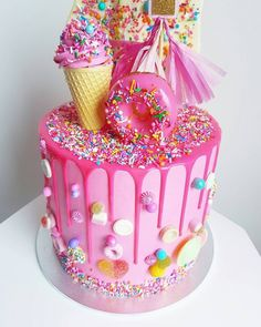 79 Amazing cake inspiration for special celebration - birthday cake ideas, celebration cakes Candy Birthday Cakes, Donut Birthday Parties, Candy Cakes, Birthday Cake Girls, Cupcake Cakes, Candy Theme Cake, Fete Audrey, Cute Desserts, Ice Cream Party