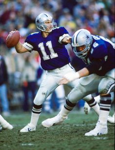 Quarterback Danny White of the Dallas Cowboys 1987
