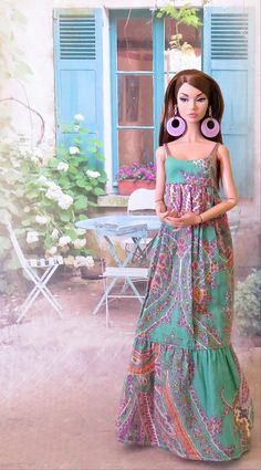 Natalie by: MurderWithMirrors Use my Barbie pattern to make several. Sewing Barbie Clothes, Barbie Sewing Patterns, Doll Dress Patterns, Clothing Patterns, Accessoires Barbie, Free Barbie, Poppy Doll, Barbie Fashionista Dolls, Barbie Dress