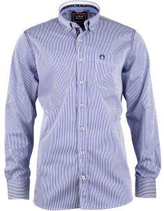 Das blaue #Hemd überzeugt als absolutes Kombinationstalent.