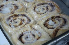 Apple Pie Cinnamon Rolls With Sweet Almond Glaze :  Sweet, creamy apple, crunchy pecans, sweet spices and delicious fluffy fresh dough with sweet almond...[read more at Food Frenzy]