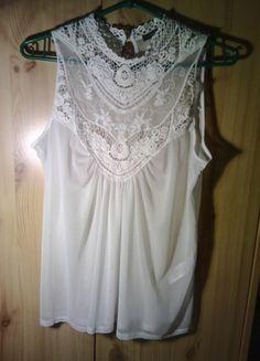 Kup mój przedmiot na #vintedpl http://www.vinted.pl/damska-odziez/inne/11382970-piekna-koronkowa-bluzka-mgielka-koronka-hit