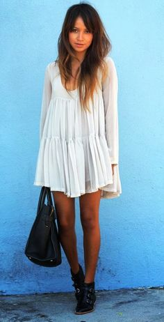 Flowy lace mini dress and jett shoes fashion