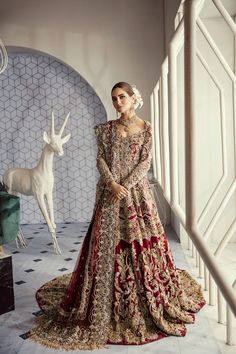 SIRENE – Suffuse Pakistani bridal wear Source by Wedding Dresses Asian Bridal Dresses, Bridal Mehndi Dresses, Indian Bridal Outfits, Pakistani Wedding Outfits, Bridal Dress Design, Indian Bridal Wear, Pakistani Wedding Dresses, Indian Dresses, Walima Dress