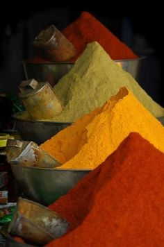 Spices - the perfect basis for a Moroccan colour palate