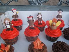 Chocolate fudge with buttercream frosting and handmade fondant cupcake toppers Fondant Cupcake Toppers, Cupcake Cakes, Cute Cupcakes, Cupcakes Fall, Thanksgiving Cupcakes, Chocolate Fudge, Buttercream Frosting, Fall Recipes, Sweet Tooth