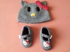 Kitty beanie and slippers
