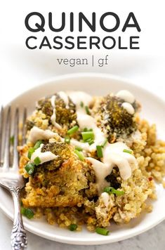 This healthy Quinoa Casserole is the perfect vegan and gluten-free Thanksgiving side dish idea! This easy recipe is made with broccoli, carrots and more delicious veggies and flavor! Great for a crowd this fall or during the holidays. Easy Healthy Dinners, Healthy Dinner Recipes, Vegetarian Recipes, Veggie Recipes Quinoa, Vegan Meals, Vegetarian Options, Tofu Recipes, Free Recipes, Recipies