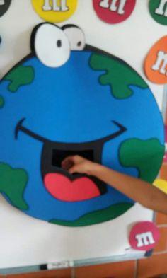 Ideas para el cuidado del medio ambiente Activities For Kids, Crafts For Kids, Earth Day Crafts, Save Our Earth, Sistema Solar, Anchor Charts, Reuse, Ideas Para, Kindergarten