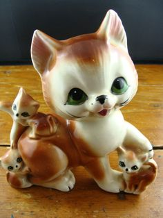 Adorable Vintage 1960s Figurine of a Cat with Three Kittens