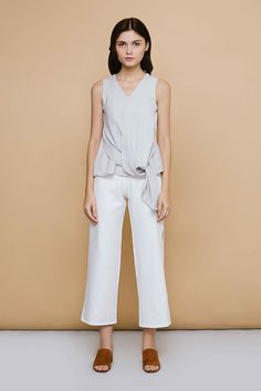 Shop effortless, minimalist & modern ready-to-wear here. We make quality & affordable fashion since We ship worldwide. Modern Minimalist, Affordable Fashion, Ready To Wear, Jumpsuit, Fall, How To Wear, Clothes, Shopping, Dresses