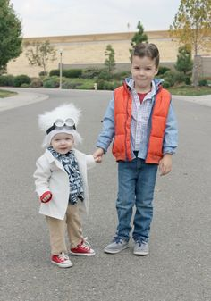 """Get set to hear """"oohs"""" and """"aahs"""" as your little ones make their way through the neighborhood this Halloween. With a little planning and some cooperative costumes, it's easy to create a family theme for your kids' costumes. Whether they're favorite characters from a beloved book or foods that go together, we've found lots of … Continue reading 25 Cute Halloween Costumes For Siblings To Try In 2016"""