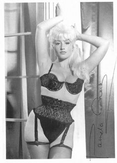 cool weekend wear that anyone can pull off. Pamela Green - PAMELA GREEN The Green Collection mint + camel Lingerie Vintage, Vintage Underwear, Vintage Glamour, Pamela Green, Green Pictures, Bullet Bra, Classic Actresses, Pin Up Art, Vintage Lingerie