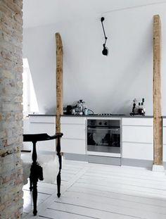 Rustic beams & contemporary kitchen