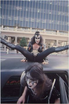 holly, 18 ♐︎ — retronova: Gene Simmons photographed in Hollywood,. Kiss Rock Bands, Kiss Band, Rock And Roll Bands, Band Ghost, Vintage Kiss, Kiss Pictures, Best Kisses, Ace Frehley, Hot Band