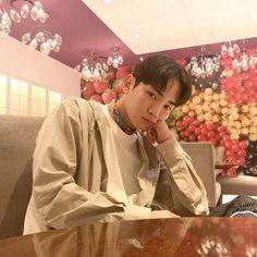 Read ミ⚡ ˊ- from the story 𝙄𝘾𝙊𝙉𝙎 𝙆𝙋𝙊𝙋 ;) with 378 reads. Onew Jonghyun, Lee Taemin, Minho, Kim Minseok, Kim Kibum, Daegu, Key Shinee, Kpop Love, Sun And Stars