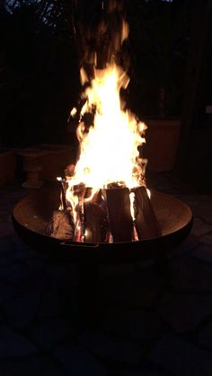 5 Schritte zum perfekten Feuer in der Feuerschale The perfect fire for fire bowls etc. Mood Instagram, Creative Instagram Stories, Instagram Story Ideas, Applis Photo, Fake Photo, Fire Pit Video, V Video, Fire Photography, Fire Image