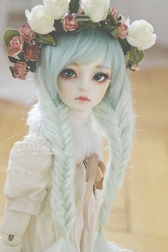 hatakedolls:  Little Monica Sophia with some lovely Oscardoll eyes, and pastel fishy tails! Photo belongs to gattina* on Flickr.