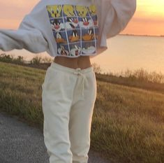 outfit goals Jeongguk is the head of the football team and a bit of a player. He tends to sleep around with people because no one ha. Teenage Outfits, Lazy Outfits, Mode Outfits, Retro Outfits, Trendy Outfits, Vintage Outfits, Girl Outfits, Fashion Outfits, Skater Outfits