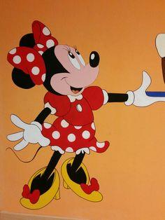 Disegno a parete, Minnie. Colori acrilici. By Annalisa Tombedi.