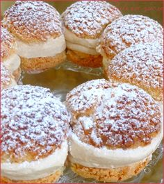 THE Paris-Brest version Philippe Conticini - Perle en sucre Pastry Recipes, Cake Recipes, Dessert Recipes, Cooking Recipes, Paris Brest, Eclairs, Chefs, French Cake, French Patisserie