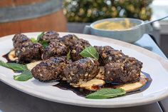 This Middle Eastern dish is easy and delicious. With the help of shop-brought hummus and pomegranate molasses this impressive dish can be whipped up in no time. Weber Q Recipes, Lamb Recipes, Meat Recipes, Lamb Koftas, Molasses Recipes, Bbq Roast, Middle Eastern Dishes, Main Course Dishes, Weber Bbq
