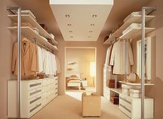 Walk-in closet - smart decision for modern houses. Tips on setting up a walk in closet: lighting, color palette, mirrors, decor, etc.