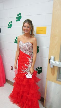 love my red pageant dress <3