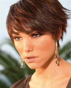 Short layered boyish hairstyle with easy styling