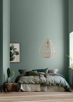 home decor bedroom Modern Earthy Home Decor: Soothing bohemian bedroom with soft pistachio green blue walls and rattan hanging lamp Room Ideias, Earthy Home Decor, Zen Home Decor, Bedroom Green, Green Bedroom Design, Bedroom With Blue Walls, Blue Feature Wall Bedroom, Mint Green Bedding, Bedroom Mint