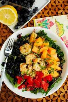 eating clean & light: quinoa, fruit and shrimp salad with basil dressing