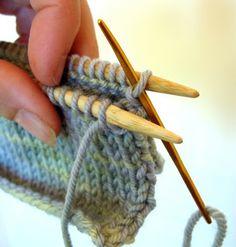 E io che dicevo? The Zen of Kitchener Stitch - Nelkin Designs Knitting Help, Knitting Stiches, Knitting Socks, Hand Knitting, Knitting Basics, Knitting Blogs, Knit Socks, Crochet Quilt, Crochet Yarn