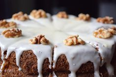The recipe for a combination of the best cakes in the world: a Carrot Cake Cheesecake! Low FODMAP, gluten-free and lactose-free. Lactose Free Cream, Fodmap Dessert Recipe, Fodmap Baking, Easy Desserts, Dessert Recipes, Carrot Cake Cheesecake, Low Fodmap, Fodmap Diet, Easy Meals For Kids