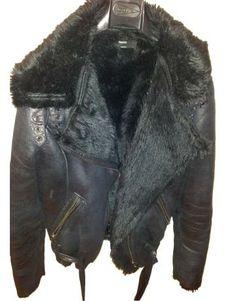 Chaqueta estilo piel negra de Suiteblanco