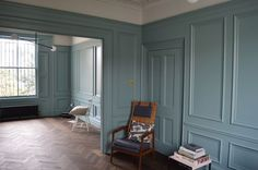 Farrow and Ball oval room blue - Farrow And Ball Living Room, My Living Room, Dix Blue Farrow And Ball, Farrow And Ball Paint, Oval Room Blue, Monochromatic Room, Dark Home Decor, Georgian Interiors, Dining Room Paint